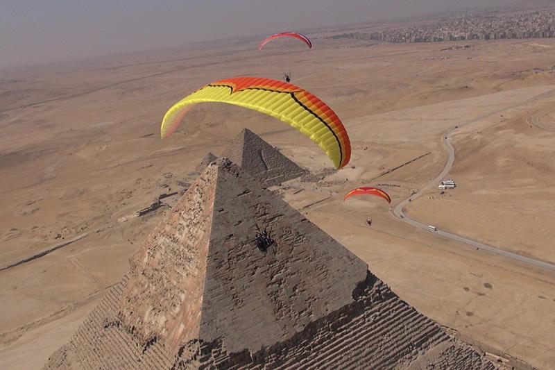 Paragliding Pyramids
